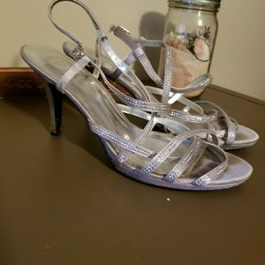 Shoes - Pre loved silver heels size 9